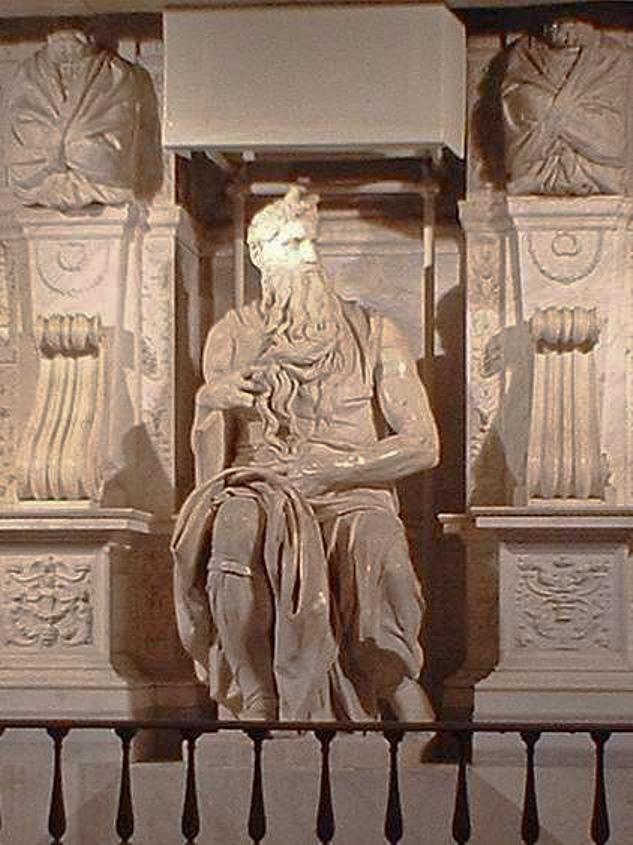 פסלו של משה מאת מיכלאנג'לו, הניצב בכנסיית סן פייטרו אין וינקולי שברומא. מתוך ויקיפדיה