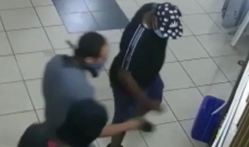 השודדים. מתוך סרטון שהפיצה המשטרה