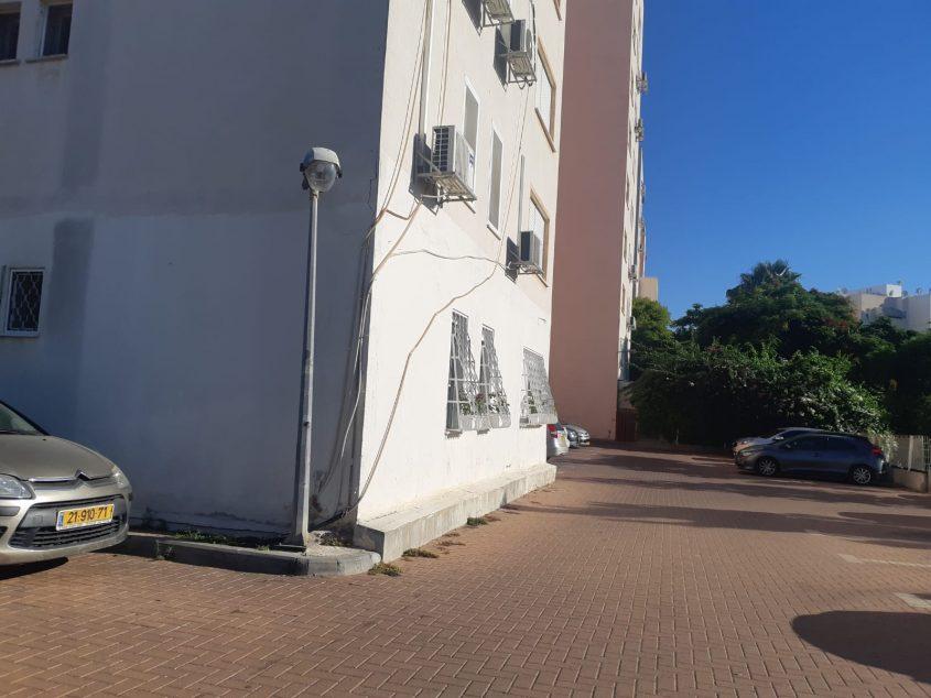 חניית המריבה ברחוב משה קול. צילום: אלירם משה