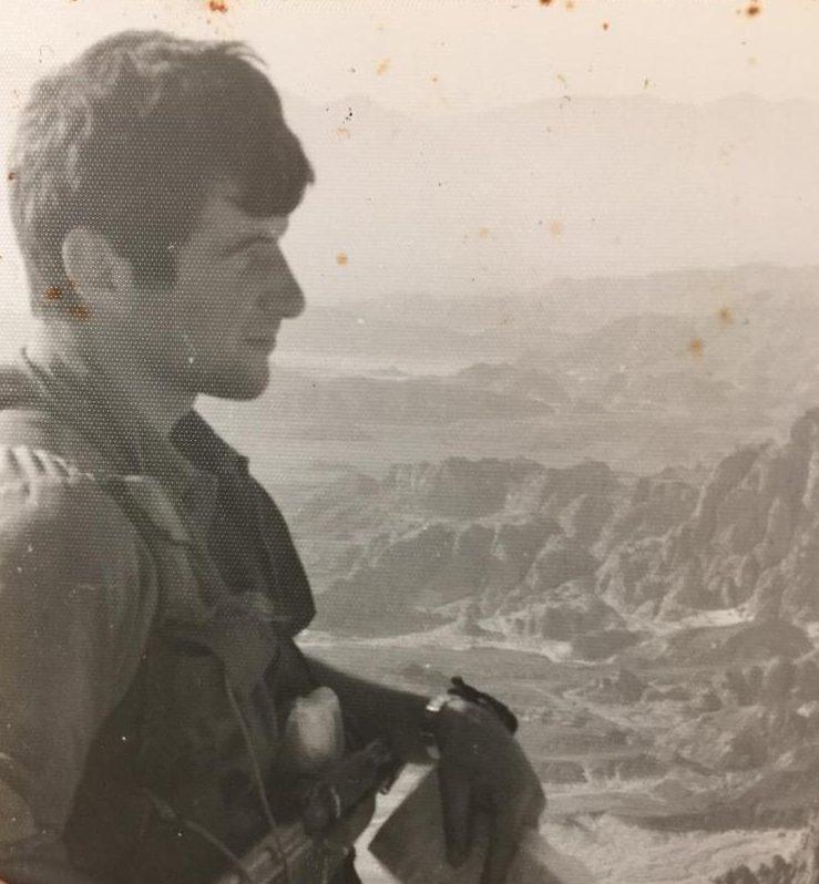 """רוני אליאב בתקופת שירותו בסיירת מטכ""""ל. צילום מהאלבום הפרטי"""