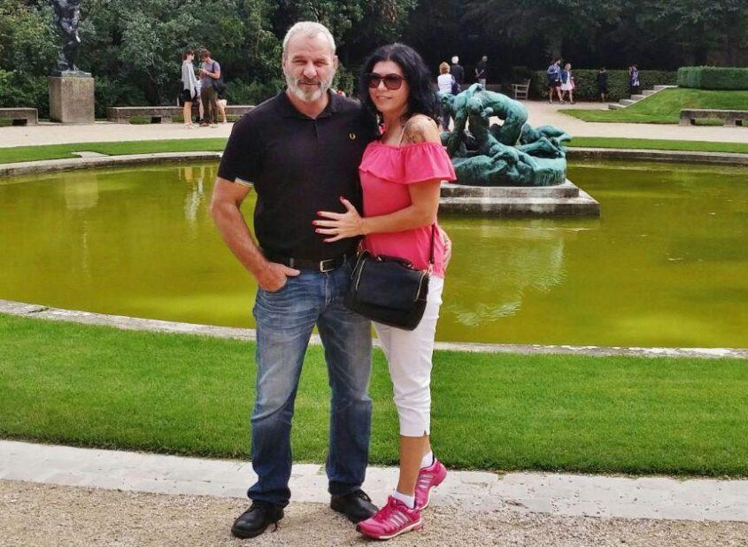 """רוני אליאב עם בתי זוגו עו""""ד שרית ברסקה. צילום מהאלבום הפרטי"""