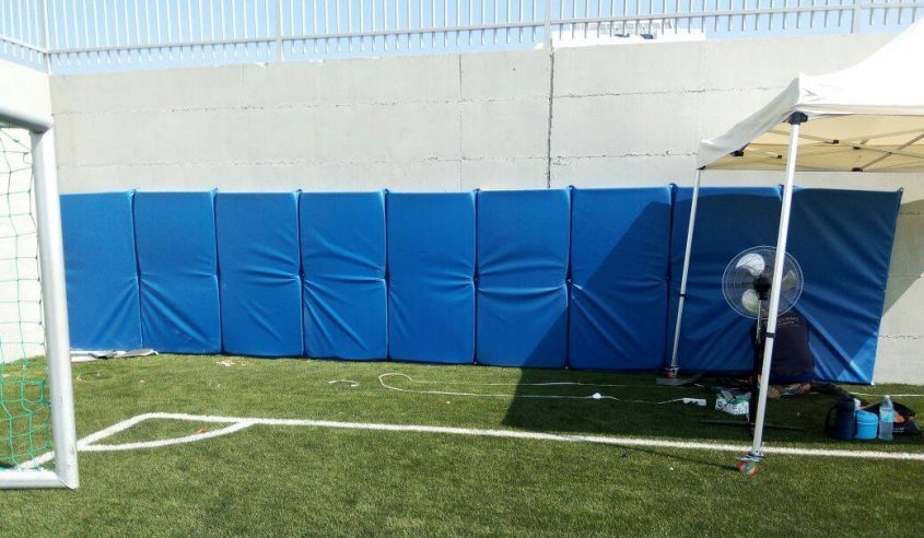 חומת הבטון עם ציפוי הגנה