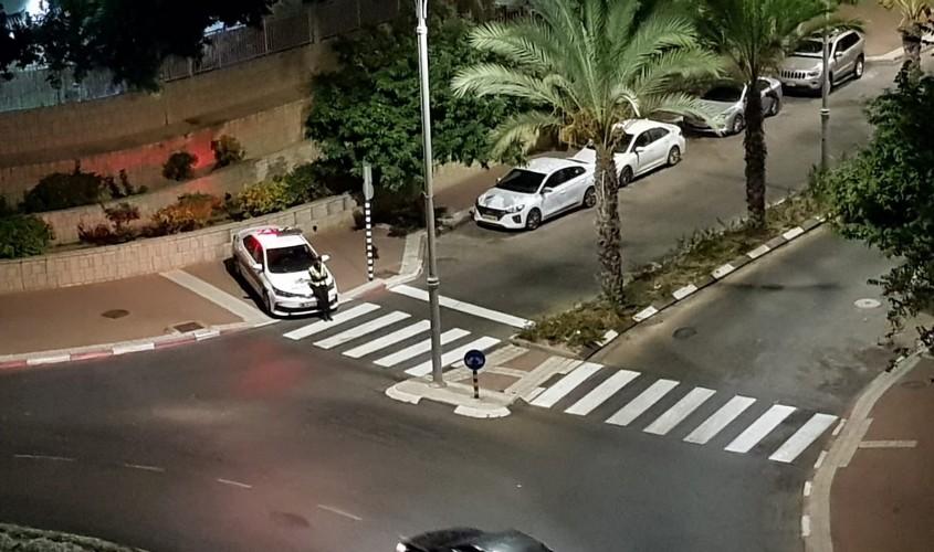 שוטרים ברחוב בלפור. צילום: אבינעם יחיאל