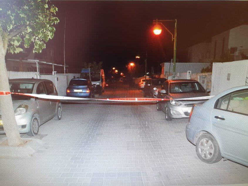 זירת הדקירות ברחוב התקווה. צילום: דוברות המשטרה