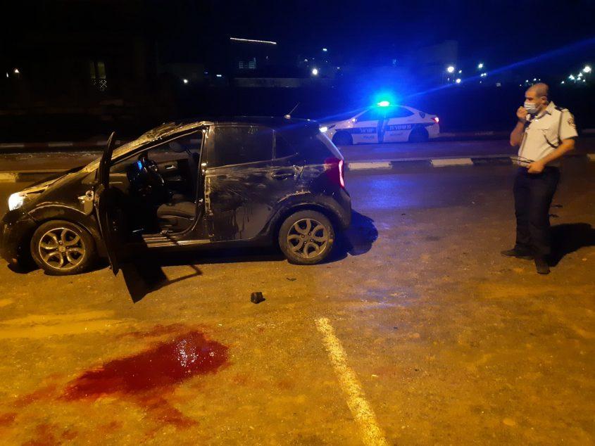 הרכב ושלולית הדם. צילום: אלירם משה