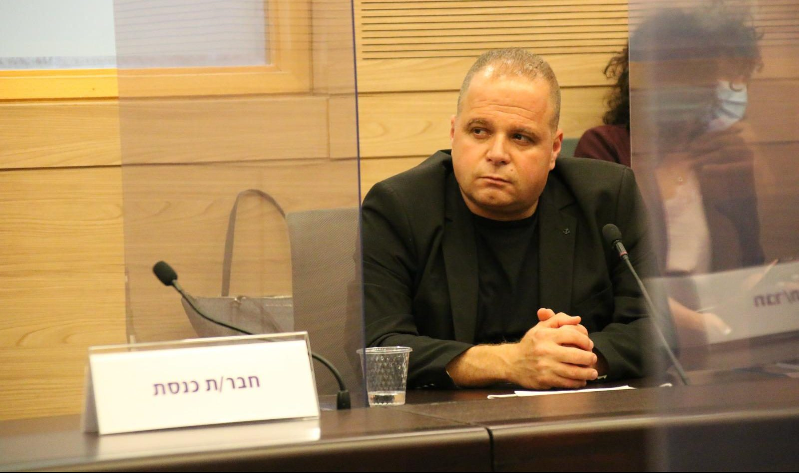 תומר גלאם בוועדה בכנסת. צילום: דוברות עיריית אשקלון