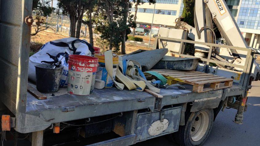 אחת המשאיות שנתפסה במבצע. צילום: דוברות המשטרה