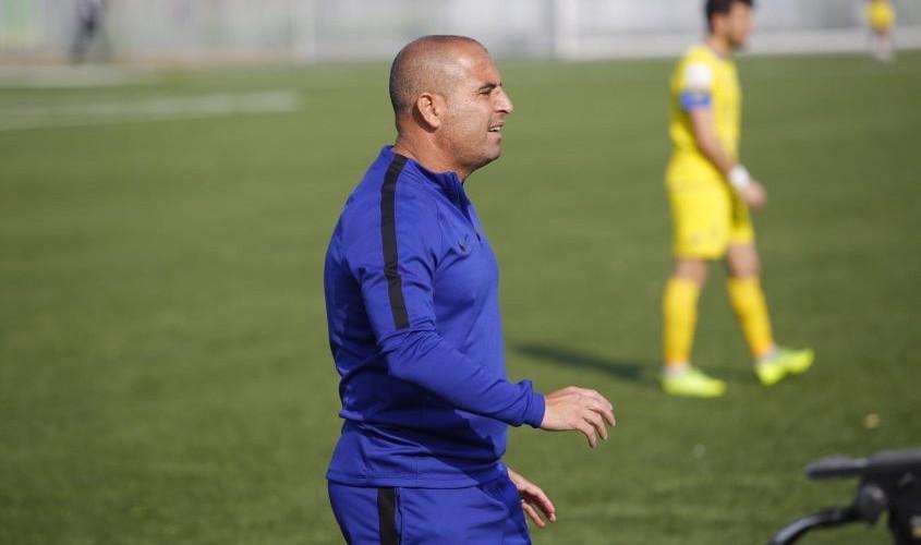 שי מאור על הקווים כמאמן עירוני אשדוד. צילום: פבל