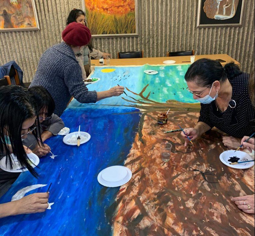 סדנת אמנות בבית יד לבנים. צילום: בית יד לבנים