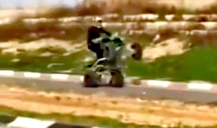 הטרקטורון מרים גלגל. מתוך הסרטון