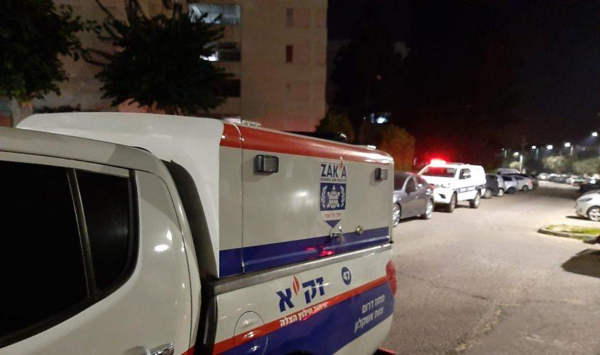 """הרכב של מתנדבי זק""""א מחוץ לדירה. צילום: דוברות זק""""א"""