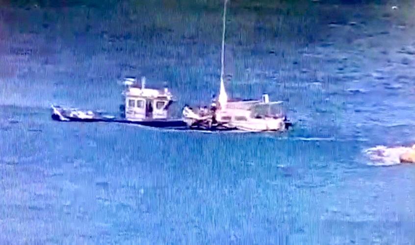רגע החילוץ על ידי השיטור הימי