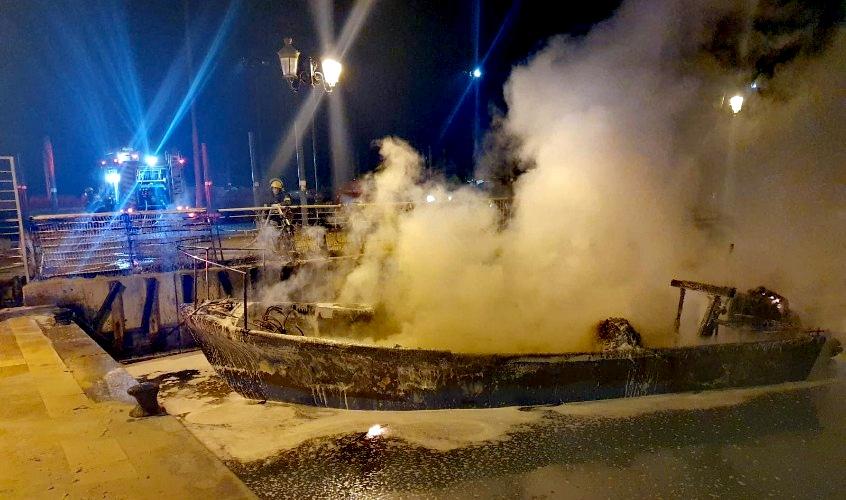 הסירה במרינה. צילום: תיעוד מבצעי כבאות והצלה לישראל