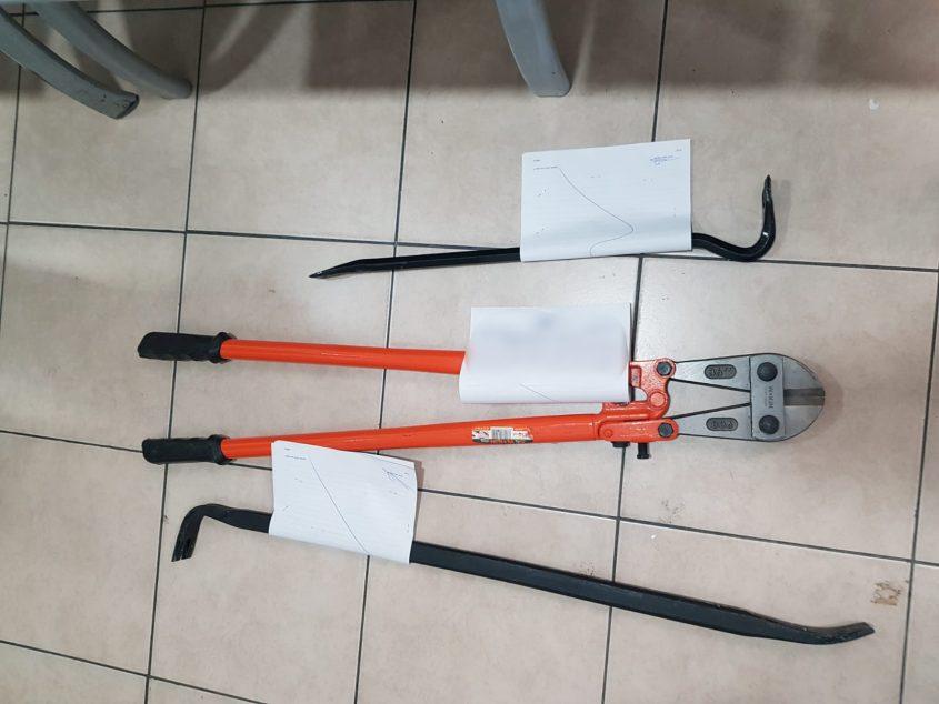 """כלי הפריצה שנמצאו בידי השב""""חים"""