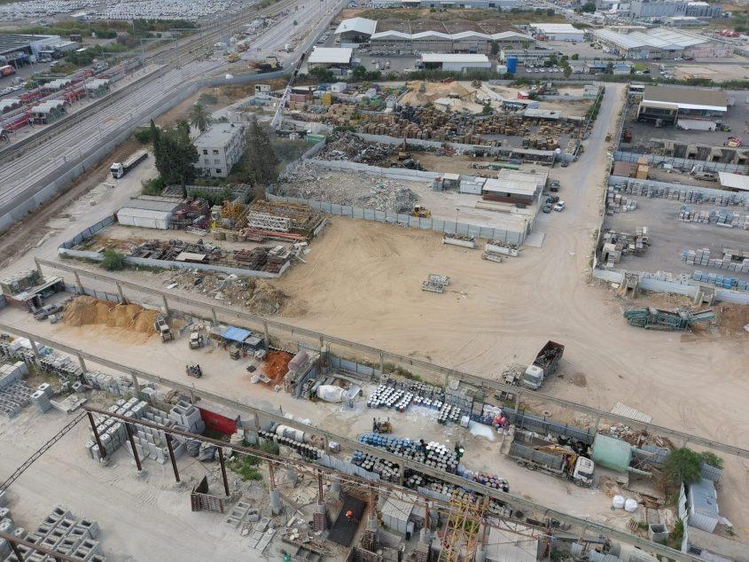 האתר הפיראטי באשקלון (במרכז התמונה). צילום: המשטרה הירוקה, המשרד להגנת הסביבה