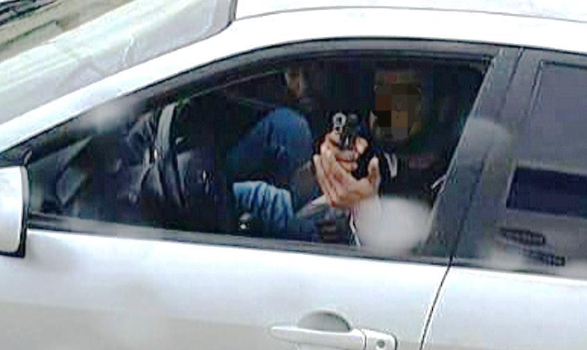 איומים באקדח. צילום: דוברות המשטרה
