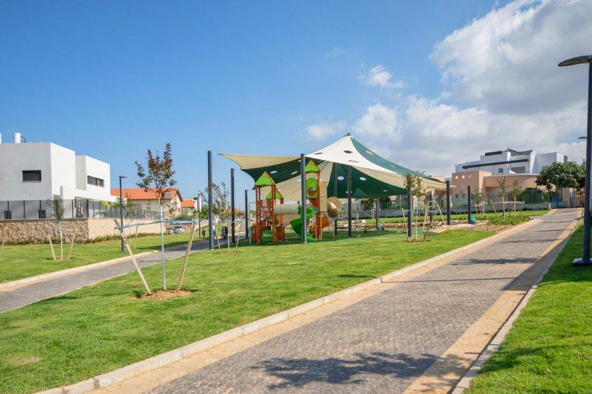 גן המשחקים החדש ברמת כרמים. צילום: סיון מטודי